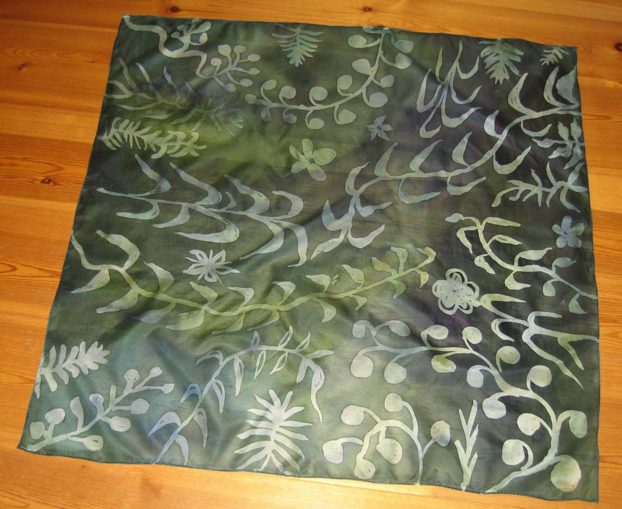 Handmålad sjal i siden